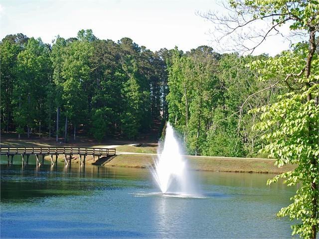 Image 3 of 1061 Angel Pond West