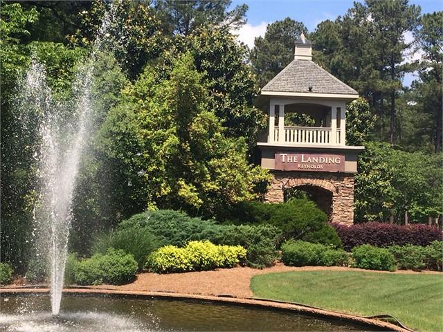 Image 4 of 1041 Golf View Lane