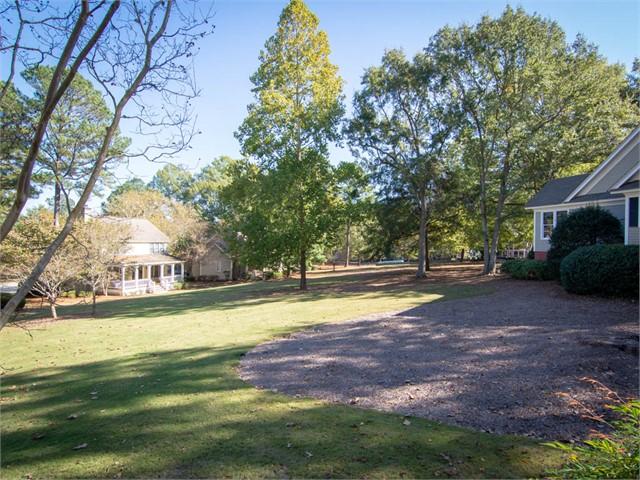 Image 3 of 129 Oakton South, N.E.